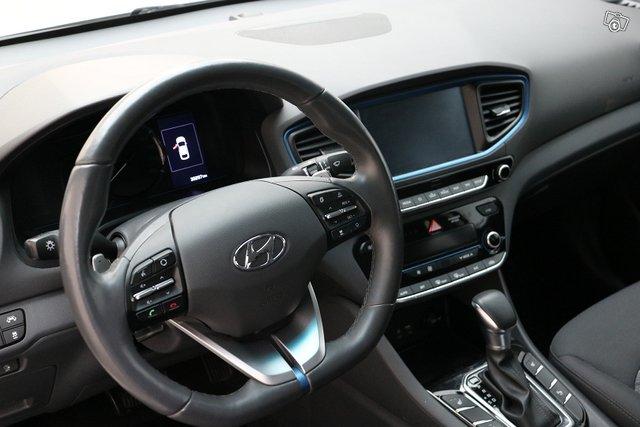 Hyundai IONIQ Plug-in 6