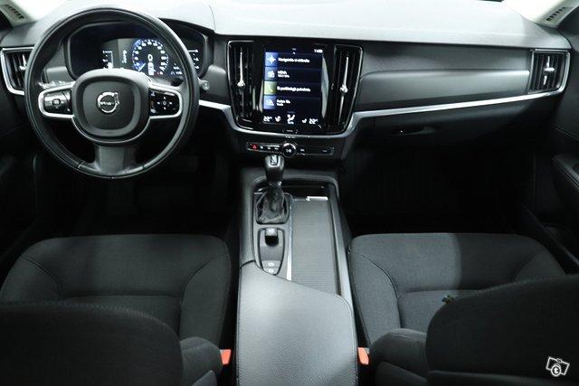Volvo V90 10