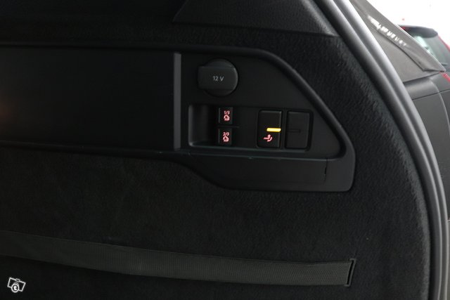 Volkswagen Touareg 19
