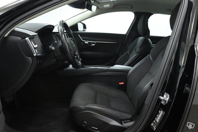 Volvo V90 9