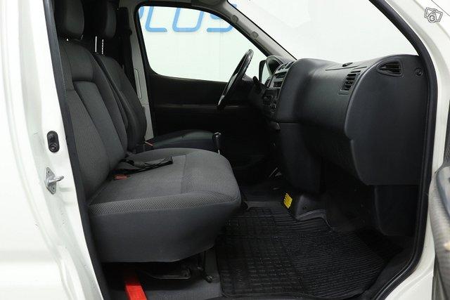 Toyota Hiace 11