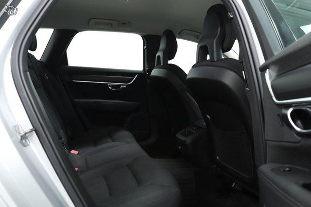 Volvo V90 18