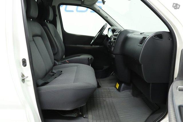 Toyota Hiace 12