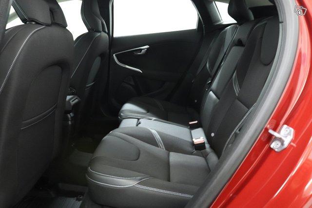 Volvo V40 14