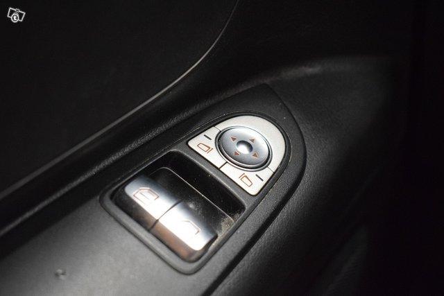 Mercedes-Benz Vito 23