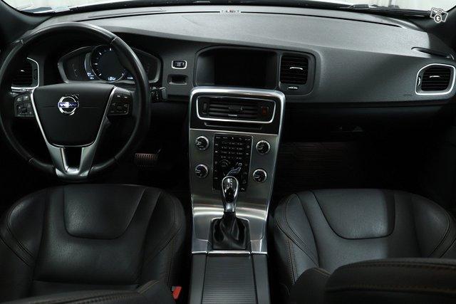 Volvo S60 Cross Country 10