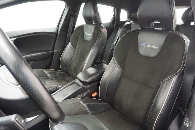Volvo V40 17
