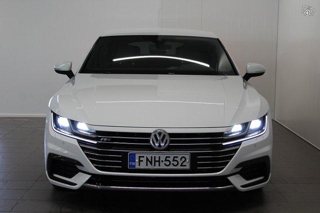 Volkswagen Arteon 8