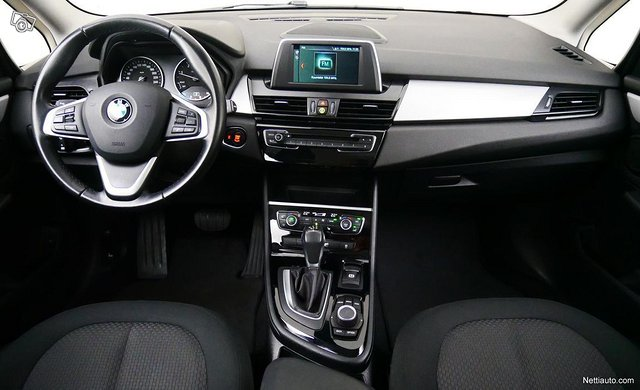 BMW 220 8