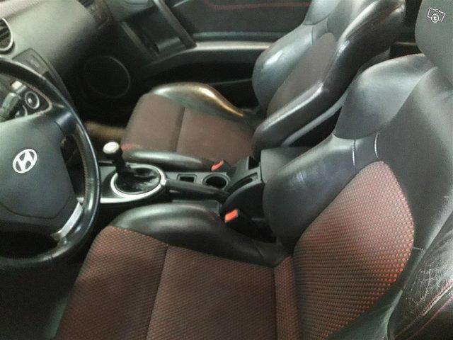 Hyundai Coupe 5