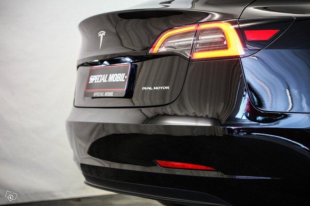 Tesla Model 3 13