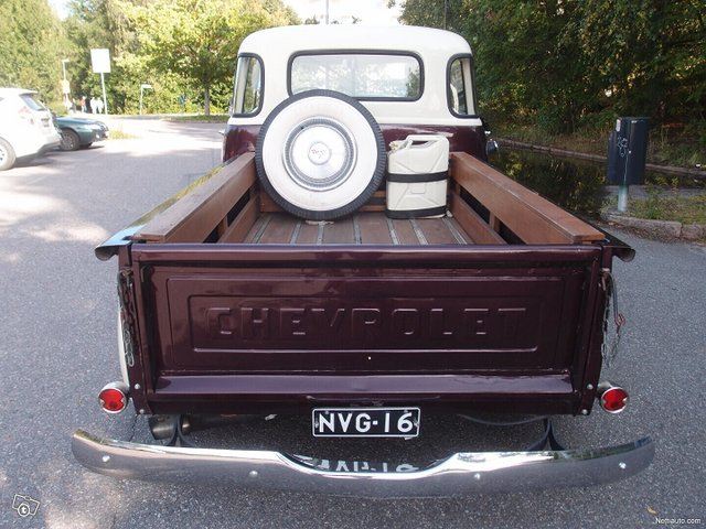 Chevrolet Pickup 4