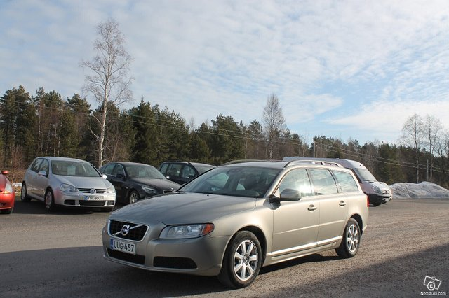 Volvo V70 8