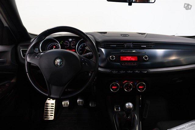 Alfa Romeo Giulietta 6