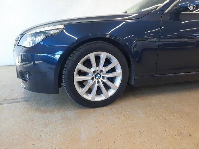 BMW 525 24