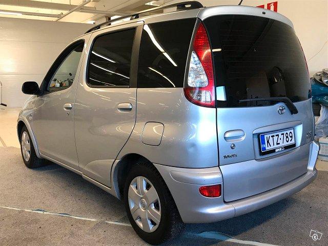 Toyota Yaris Verso 5