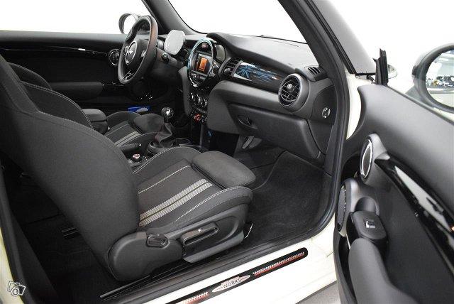 Mini Hatchback 8