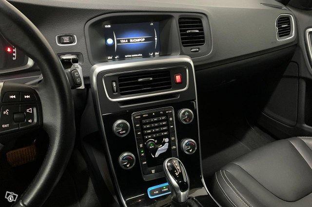 Volvo V60 24
