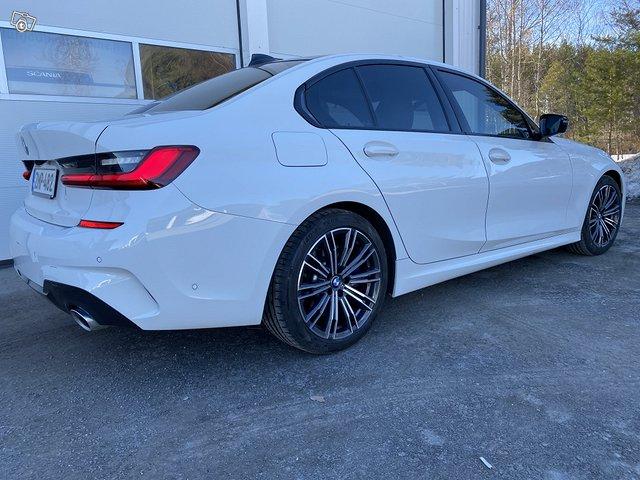 BMW 330i 3