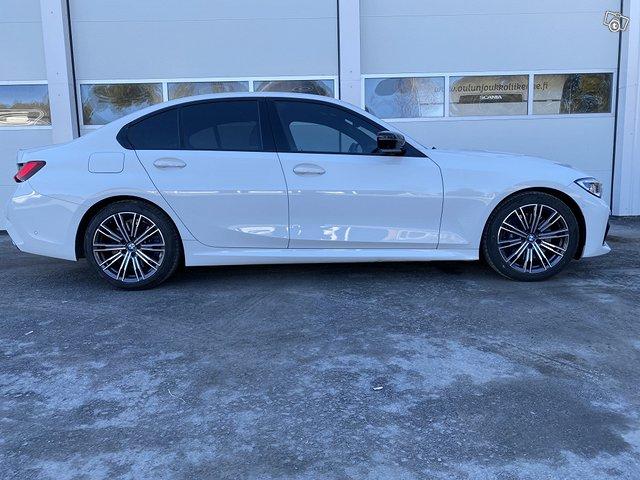 BMW 330i 5
