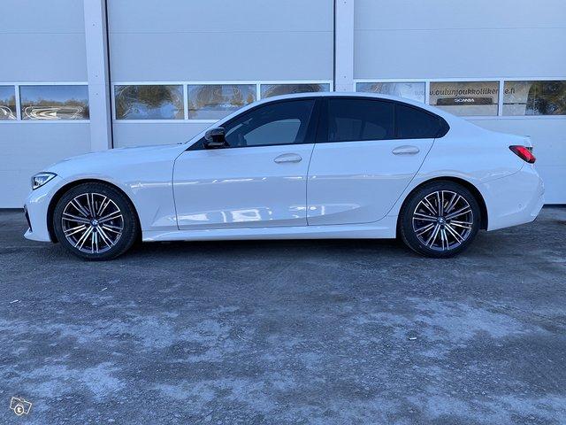 BMW 330i 6