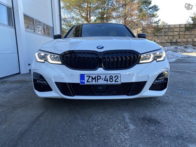 BMW 330i 7