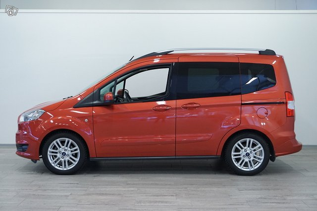 Ford Tourneo Courier 4