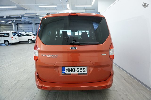Ford Tourneo Courier 6