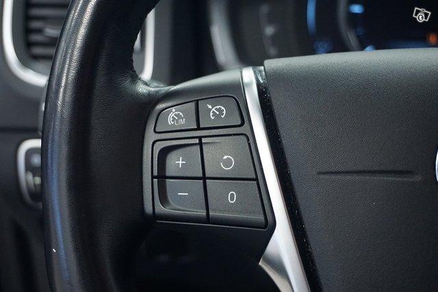 Volvo V60 16
