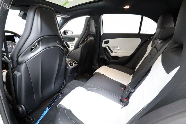 Mercedes-Benz A 35 AMG 11