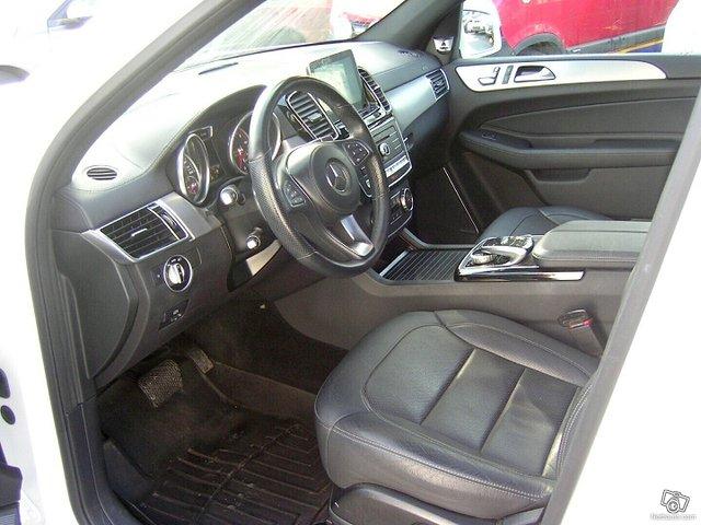 Mercedes-Benz GLS 7