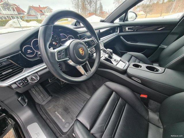 Porsche Panamera 16