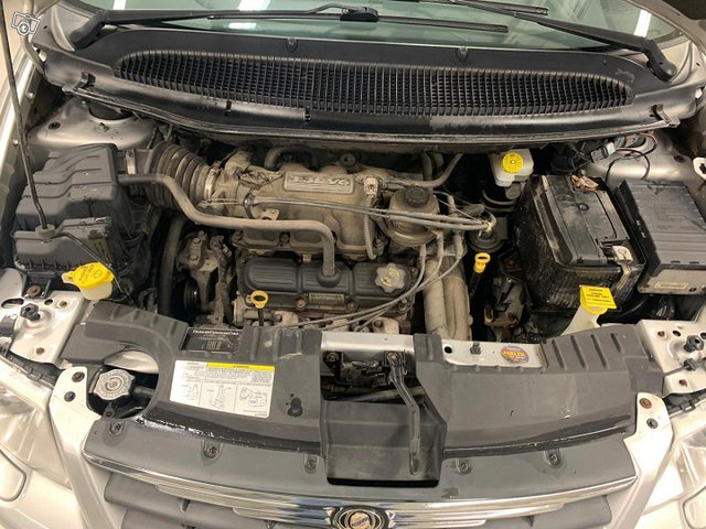 Chrysler Voyager 15