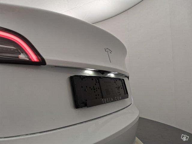 Tesla Model 3 22