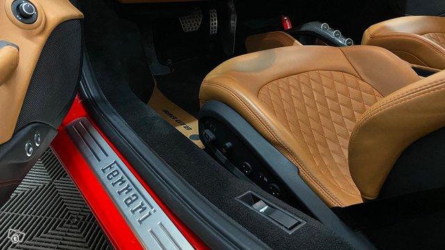 Ferrari 488 12