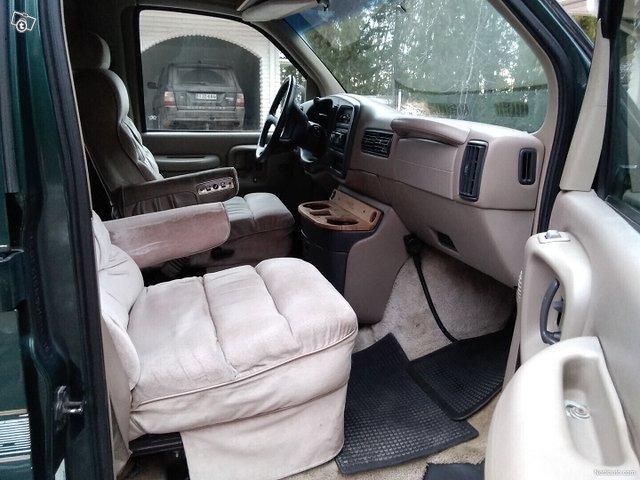 Chevrolet Express 1500 8