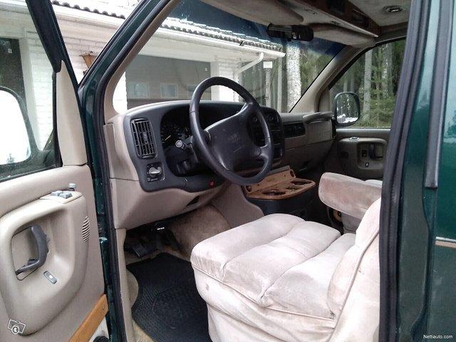 Chevrolet Express 1500 13