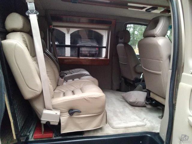 Chevrolet Express 10