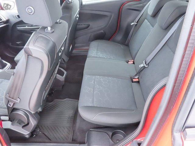 Ford B-Max 9