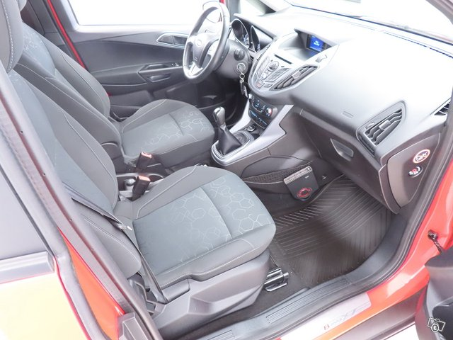 Ford B-Max 11