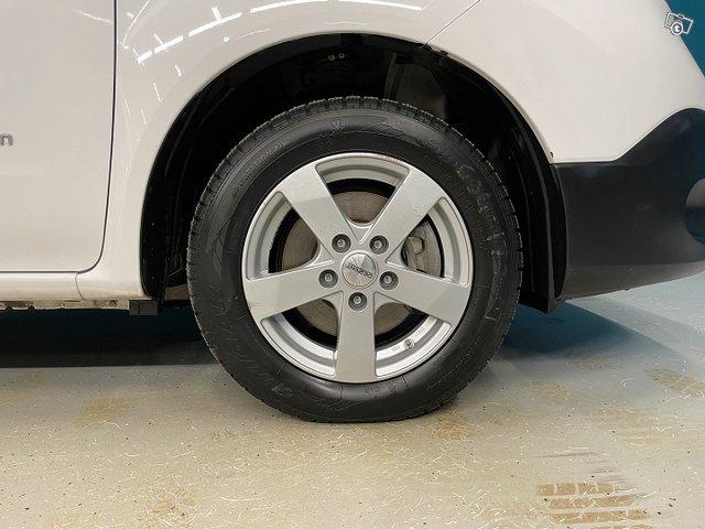 Nissan E-NV200 16