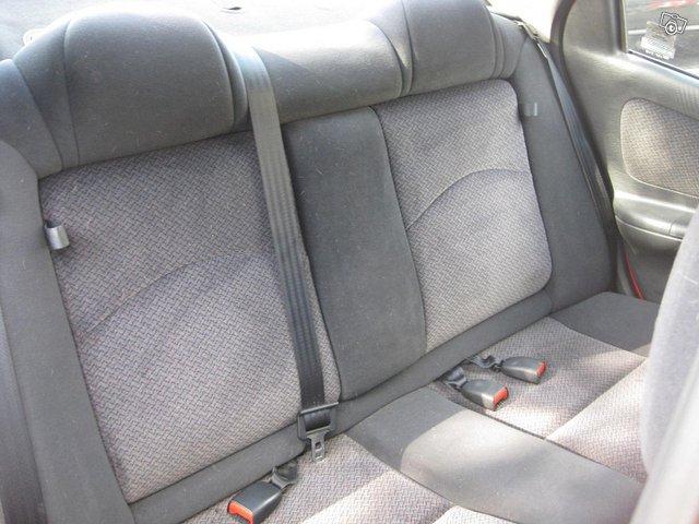 Chrysler Neon 10