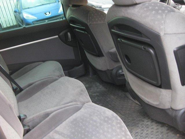 Peugeot 807 10