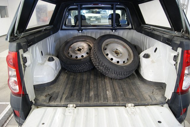 Dacia Logan Pick-Up 10