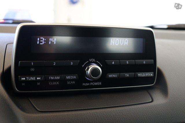 Mazda 2 13