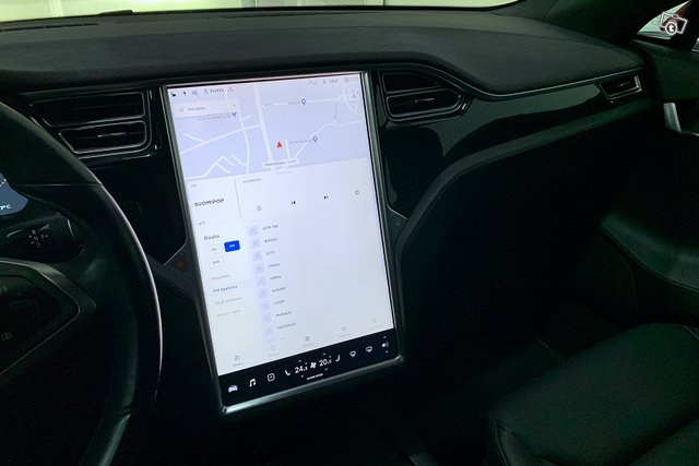 Tesla MODEL S 21