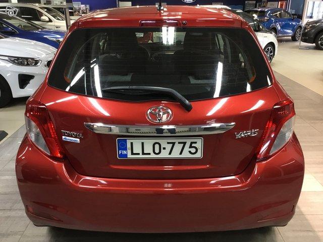 Toyota Yaris 6