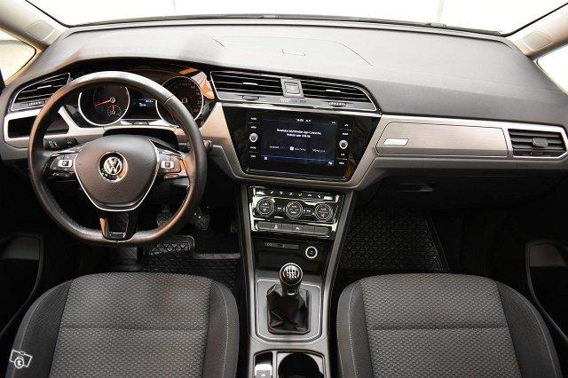 Volkswagen Touran 14