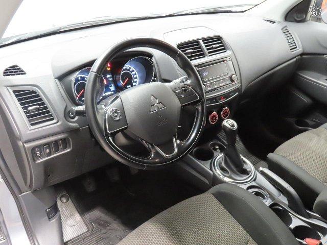 Mitsubishi ASX 8