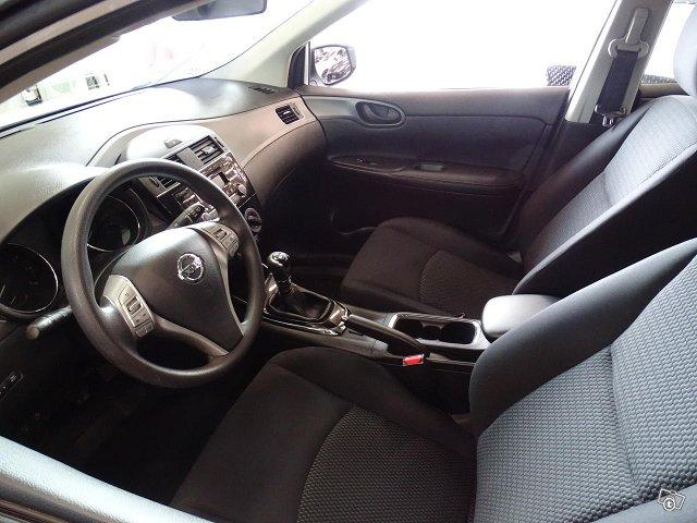 Nissan Pulsar 5